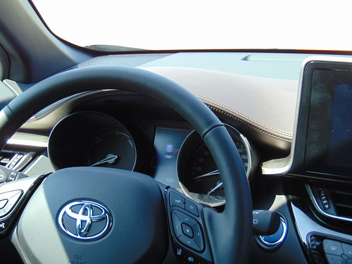 2018 Toyota CH-R HSD - test - 22   by Az online magazin
