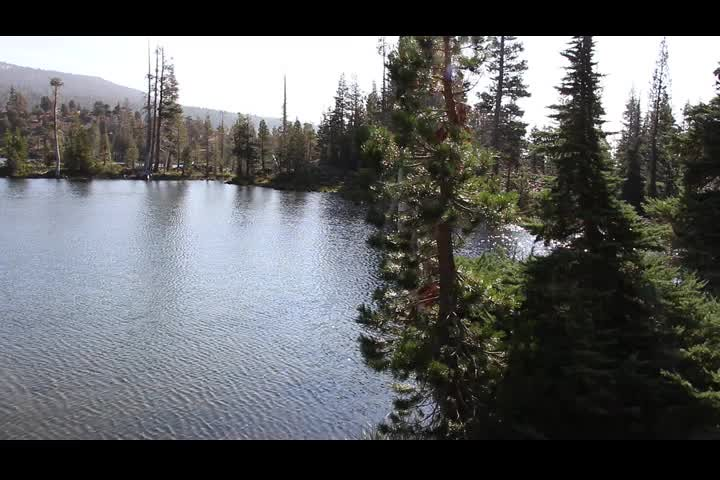 2776 Video panorama of Susie Lake from the Pacific Crest Trail