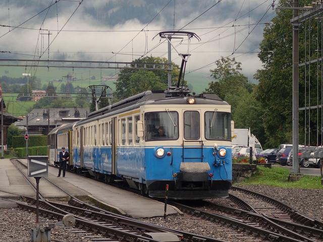 ABDe 8/8 4004 der Montreux - Berner Oberland Bahn (MOB) in Saanen