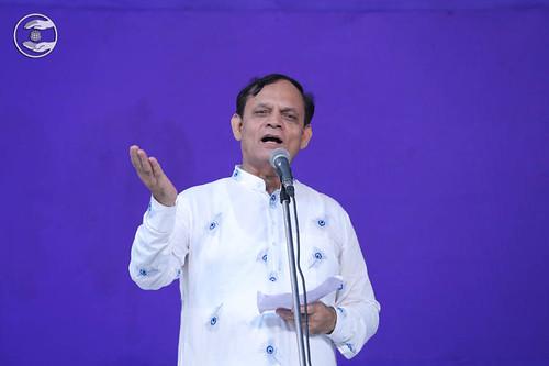 Devotional song by Jagat Geetkar from Sant Nirankari Colony, Delhi