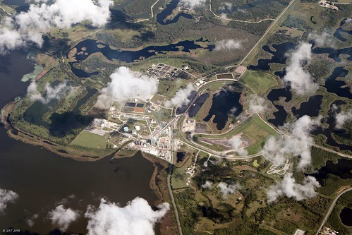 zeesstof vacation photoassignment flight commercialflight houstontoorlando florida unitedairlines powerplant dmcintoshjrpowerplant lakeland