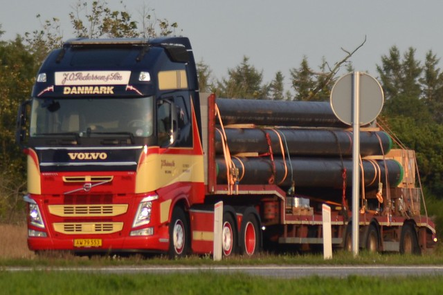 Volvo FH - J. O. Pedersen & Søn  Brejning - AW 79 553
