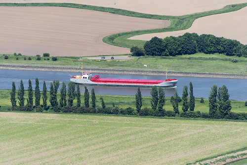 douwant ship river witham boston lincs lincolnshire above aerial nikon d810 hires highresolution hirez highdefinition hidef britainfromtheair britainfromabove skyview aerialimage aerialphotography aerialimagesuk aerialview drone viewfromplane aerialengland britain johnfieldingaerialimages fullformat johnfieldingaerialimage johnfielding fromtheair fromthesky flyingover fullframe douwent