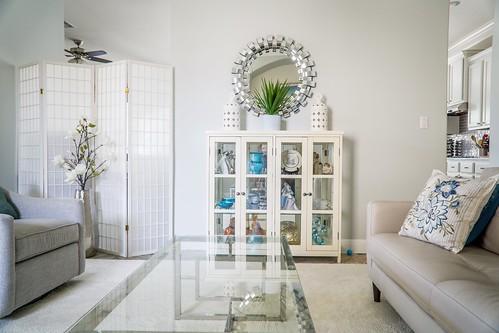 minimalist home interior design photo