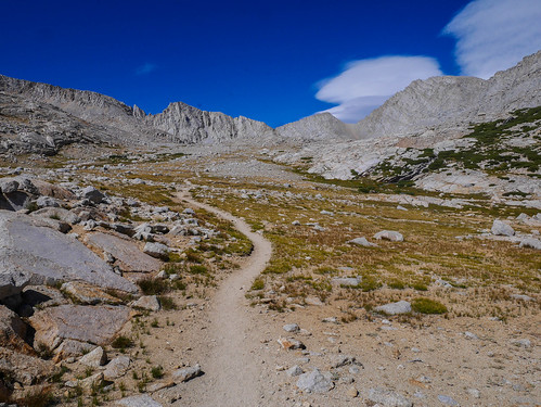 JMT heading north towards Forester | by snackronym
