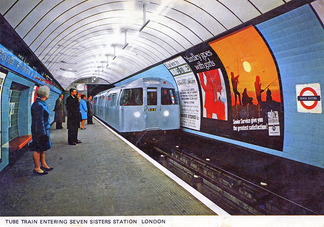 LONDON POST CARD