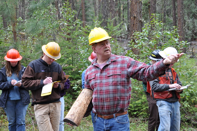 2010. Don Goheen conducting FHP Insect and Disease training for BLM employees in southwest Oregon.