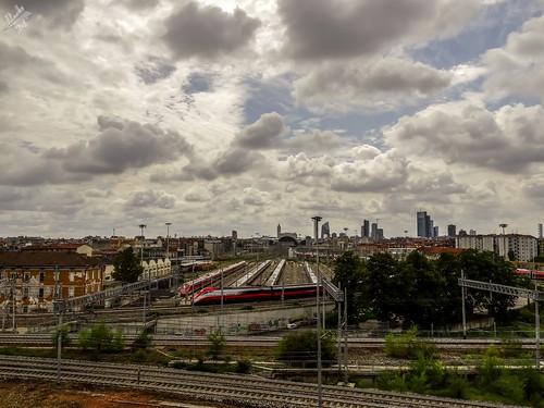cielo sky clouds nuvole milano milan italia italy lombardia lombardy sony hx300 bridge grattacieli skyscrapers skyline stazione station ferrovia railway