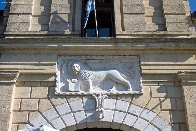 Leone su Porta Friuli