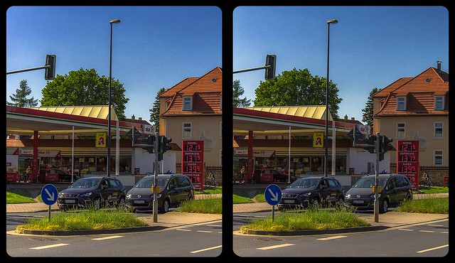 Gas station 3-D / CrossView / Stereoscopy / HDRaw