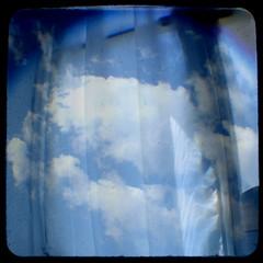 le ciel et une fenêtre | by *brilho-de-conta