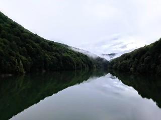 Lacul Paltinu, Valea Doftanei | by mergpemunte.ro