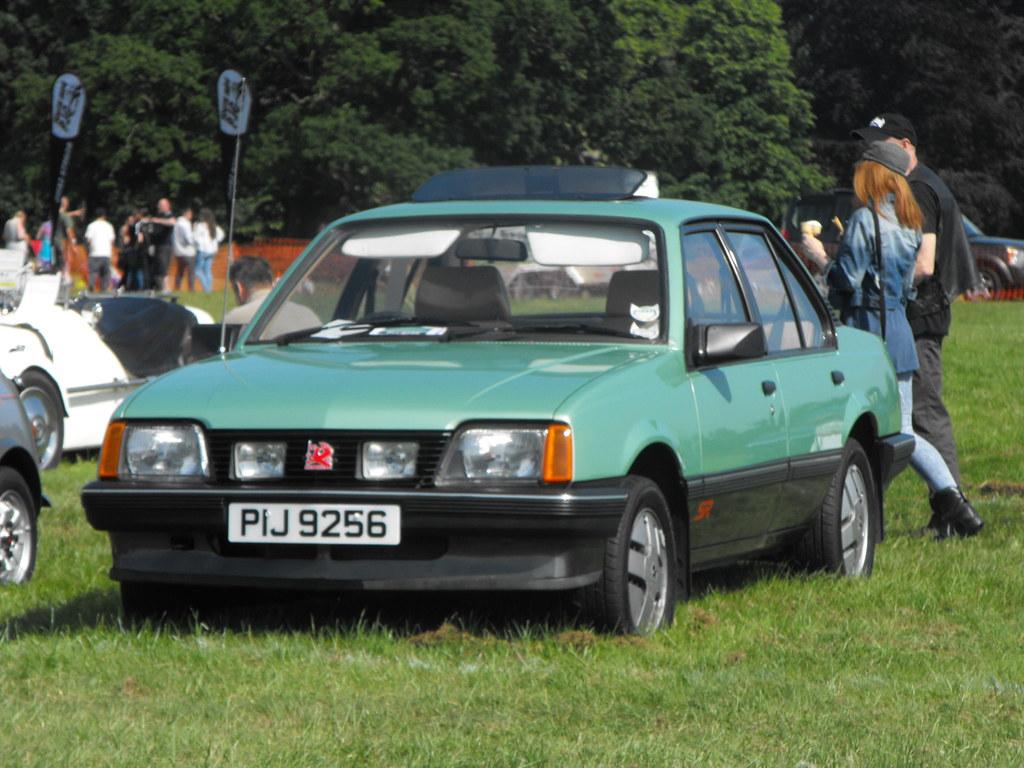 Vauxhall Cavalier SR - PIJ 9256