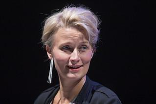 Esitystalous 3 - Radio   by Espoon Kaupunginteatteri