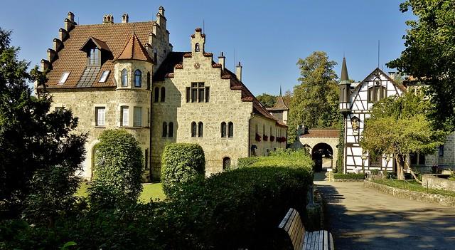 GERMANY, Schloss Lichtenstein - eine kleine aber hübsche Perle am Rande der Schwäb. Alb, Nebengebäude    - 765041/10525