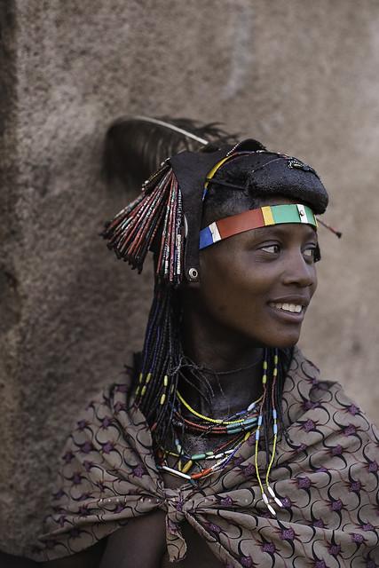 Mukawana (Muhakaona) beautiful girl in the market of Oncócua. Cunene, Angola.