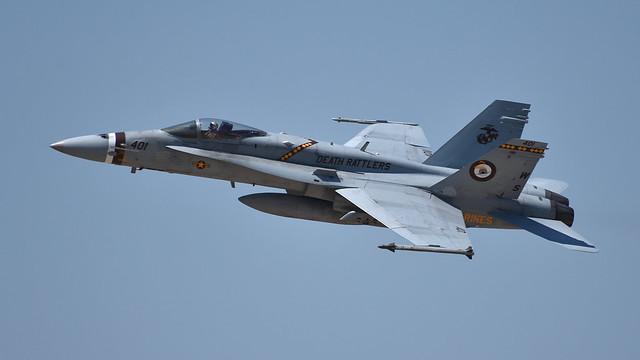 165220 WS-401 F/A-18C VMFA-323 Death Rattlers