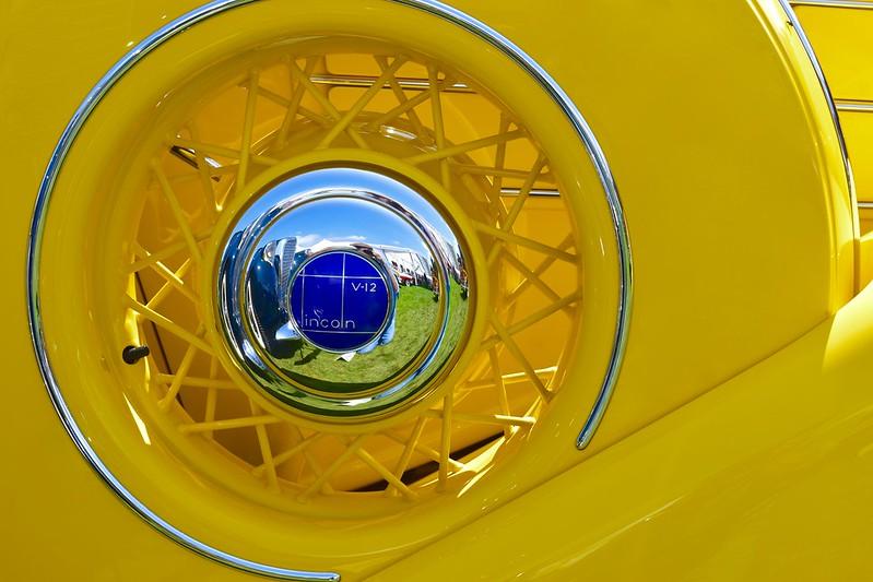 Lincoln V12 Banana (enlarge for details)