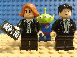 Lego X-files: Mulder and Scully in Lego parts