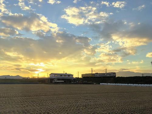 2018 08 aug trip travel jpn japan saga 八月 旅遊 日本 佐賀 日落 黃昏 夕照 火車 dusk sunset train