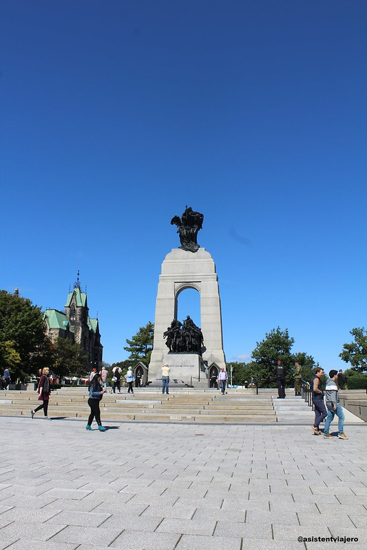 Ottawa Confederation Square 2