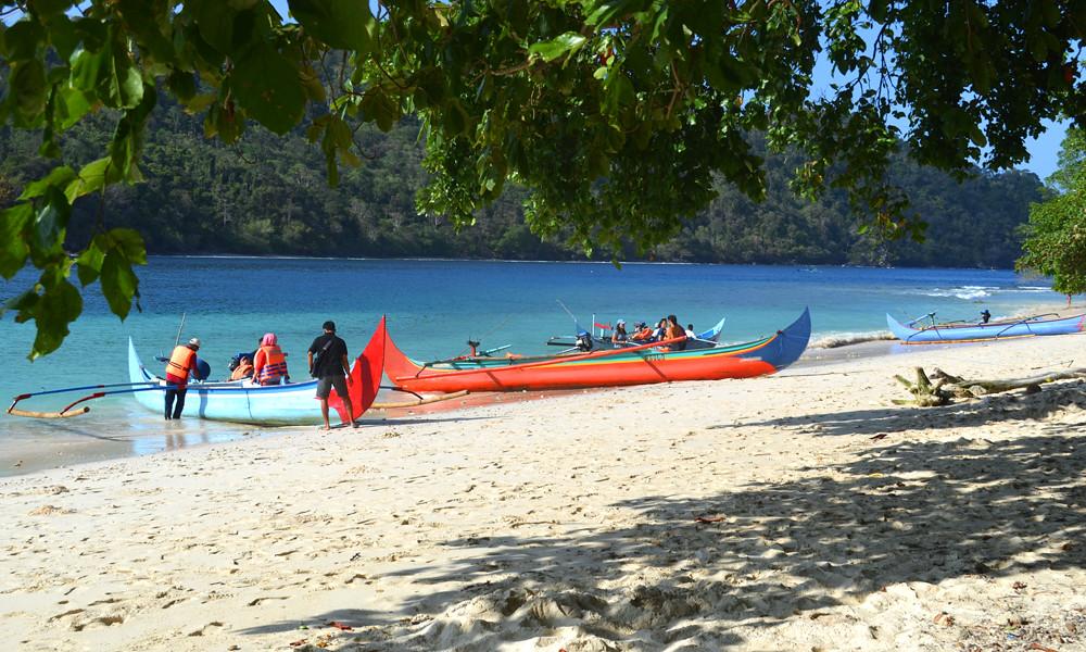 Perahu Ketinting Teluk Kiluan | KEKAYAAN NEGERIKU INDONESIA … | Flickr