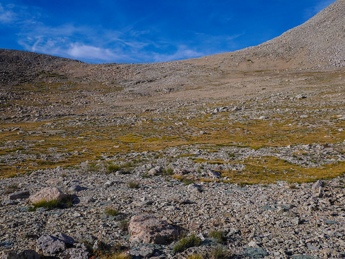 Rockwell Pass from the south   by snackronym