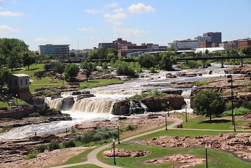 siouxfalls southdakota waterfall wasserfall park stadtpark fallspark wasser water