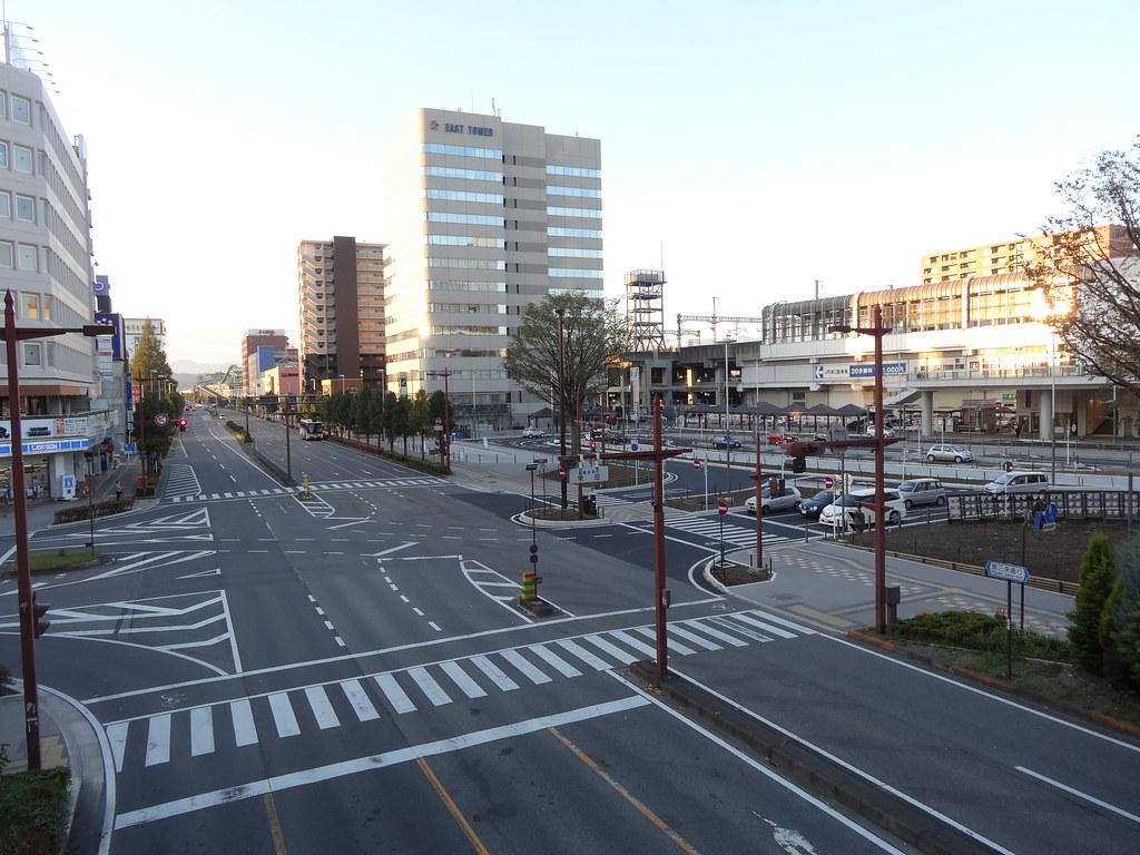 東口駅前南向き