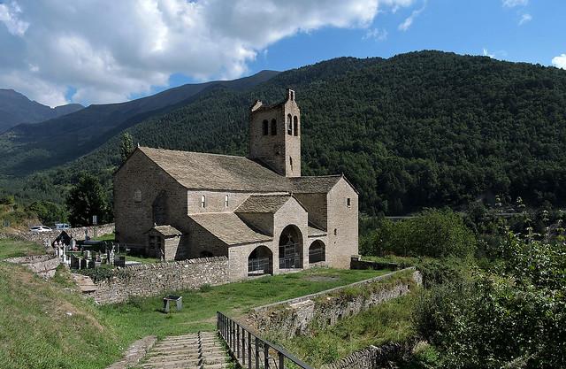 Iglesia de San Miguel de Linás de Broto