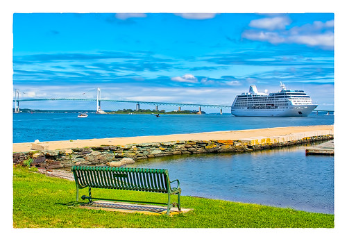 ocean bridge large bench bird 2018 boat ship monday newport rhodeisland unitedstates us