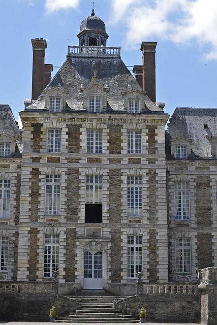 2018.06.20.023 BALLEROY - Le château, pavillon central