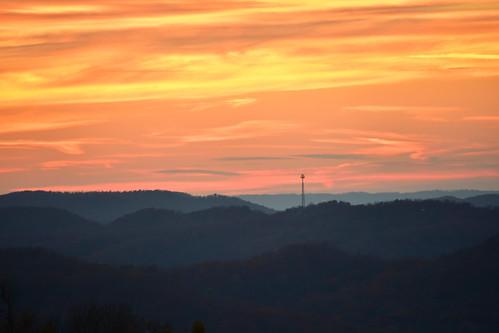 celltower sunset appalachia dusk goldenhour sky forest landscape berea kentucky danielboonenationalforest