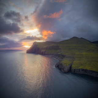 Brewing coastline | by Teemu Kustila Photography