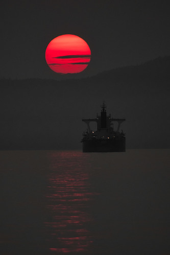 smoky outdoors outside vancouver pacific water sunset gray grey ship artsy boats luminar2018 canada landscapes landscape vertical