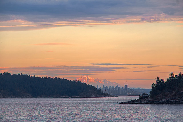 Island Views 💜 West Vancouver, BC