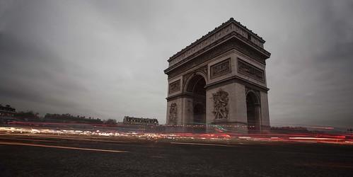 Arc de Triomphe Rush Hour