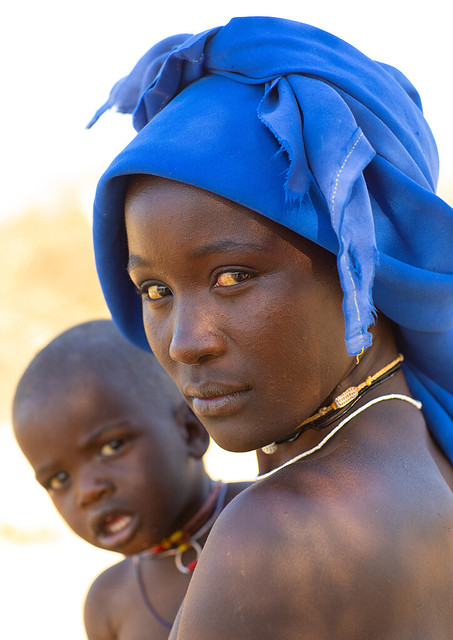 Mucubal tribe woman with her child, Namibe Province, Virei, Angola