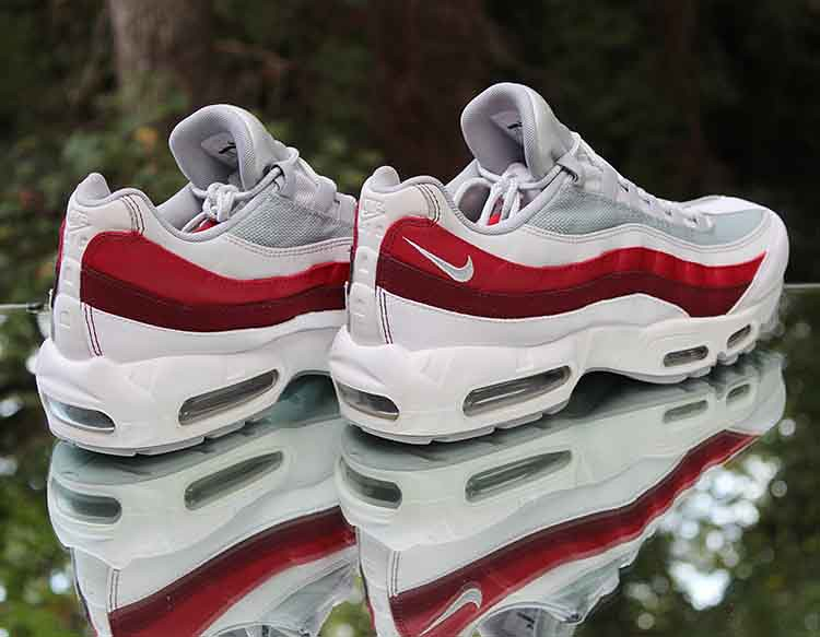 premium selection ddb7a dd034 ... Nike Air Max 95 Essential Retro 749766-103 Men s Size 11 White Wolf  Grey