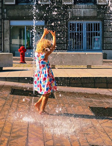 235/365 Summer is playtime in the fountain | by Árni Svanur Daníelsson