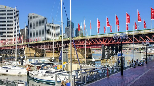 View of the historic Pyrmont Bridge | by Victor Wong (sfe-co2)
