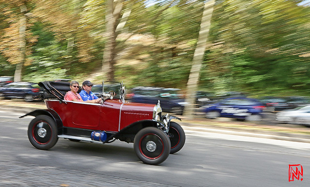 Peugeot 201 coupé 1930 dans le vent