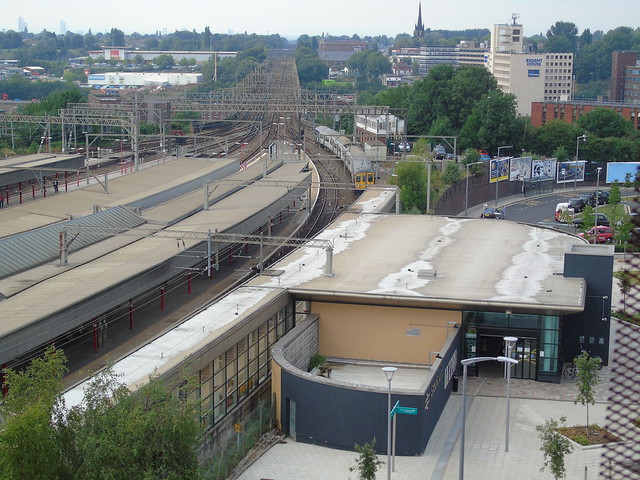 A different view of stockport railway station and the viaduct looking towards manchester.