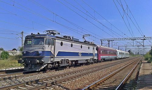 EA1 241 cu IR1633 in halta Carpati (1.09.2018)   by Andrei.CFRbv