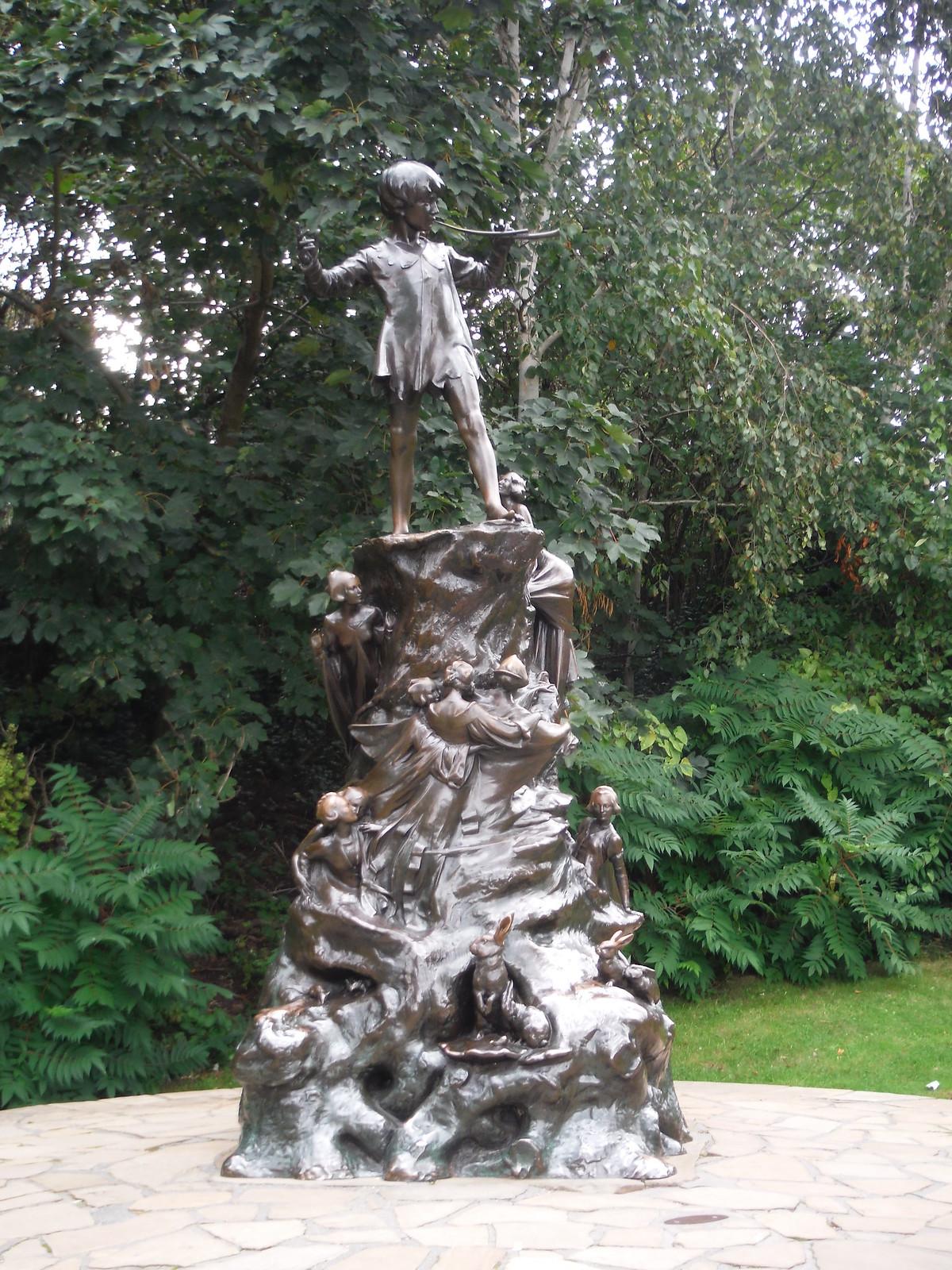 Peter Pan Sculpture, Kensington Gardens SWC Short Walk 19 - Royal Parks