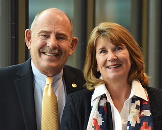 Thu, 03/01/2018 - 11:08 - A photograph of Tom and Kim Cox, the Encore co-chairs