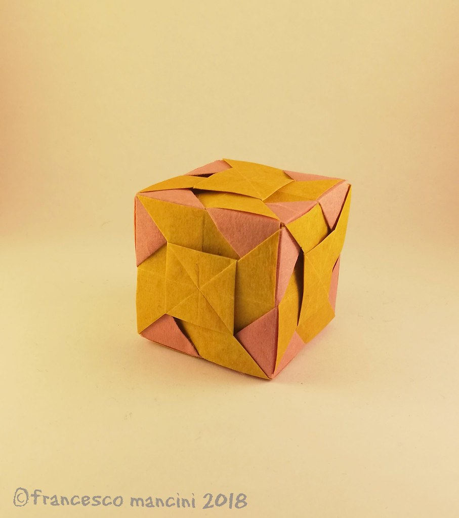Modular Paper Cubes by Origami Artist Jo Nakashima Shape-Shift in ... | 1023x907