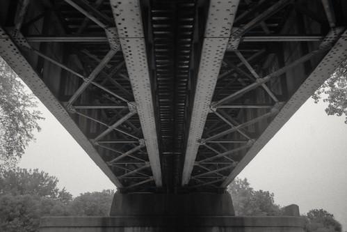 winnipeg theforks bridge epsonv550 agfaapx400 blackandwhite bw railway nikonf3