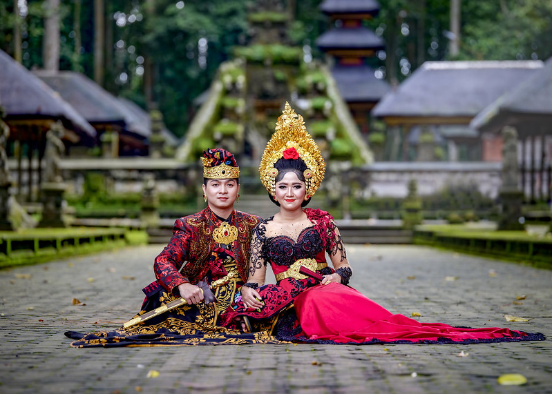 Jasa paket foto prewedding dengan rias makeup dress gaun bridal bali jakarta