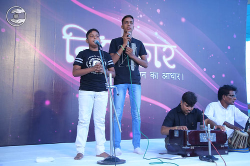 Devotional song by Sumit and Saathi from Meerut